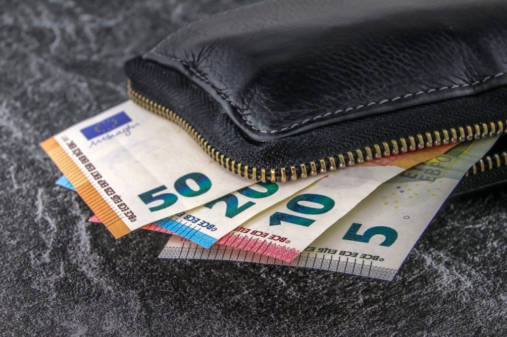 PA e grandi imprese devono pagare autotrasportatori